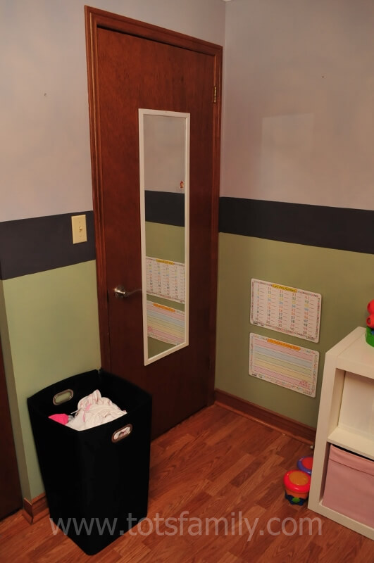 Check out our great tips for how to decorate a toddler room for under $40!!