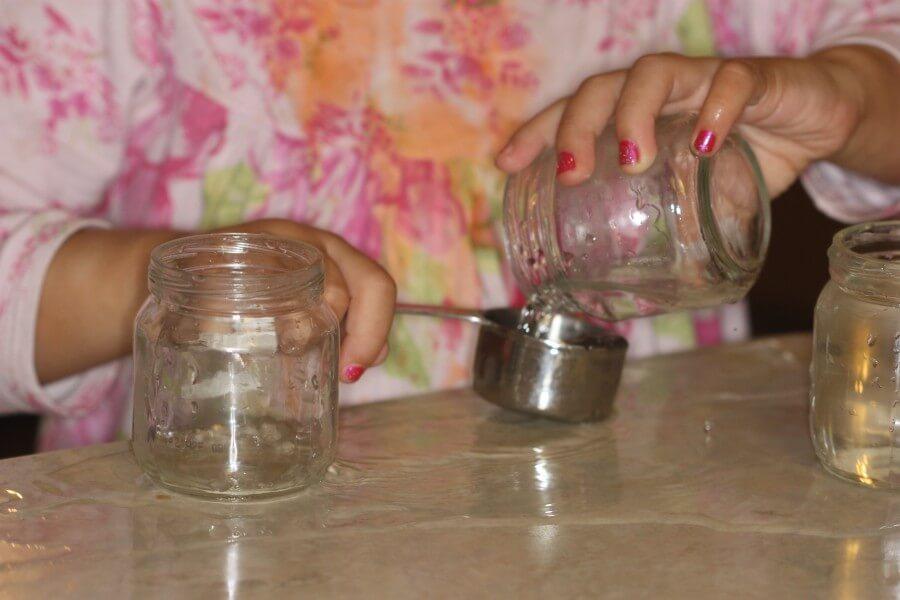 jar sensory play (2)