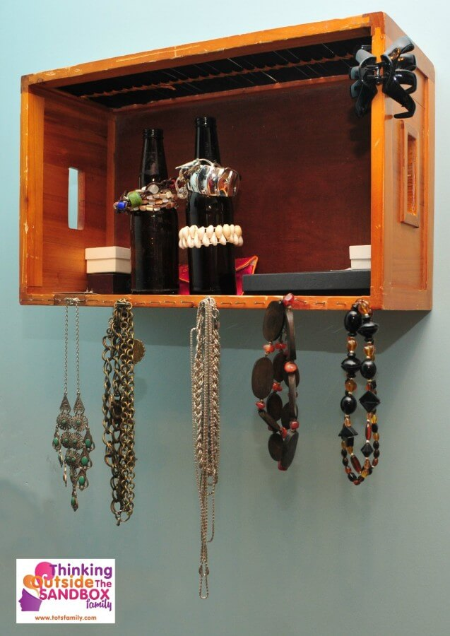 Reuse an Old Basket and Turn It Into an Amazing Jewelry Shelf