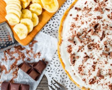 TOTS Family, Parenting, Kids, Food, Crafts, DIY and Travel Banoffee-Pie-Recipe-370x297 Best Banoffee Pie Recipe Desserts Food TOTS Family  St. Patrick's Day recipe pie irish desserts ireland desserts caramel Banoffee PIe