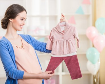 TOTS Family, Parenting, Kids, Food, Crafts, DIY and Travel bigstock-Pregnant-Woman-Baby-Shower-89047583-370x297 A Different Way of Buying Used Children's Clothes Fashion Kids Parenting Style TOTS Family  used clothing swap sell kids clothing kids clothes gently used clothing ebay craigslist consignment