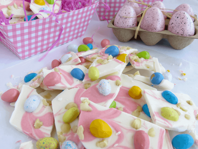 This Macadamia Nut Easter Candy Bark is simple to make, and will be sure to impress.