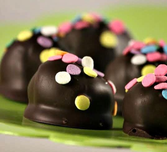 TOTS Family, Parenting, Kids, Food, Crafts, DIY and Travel Take-those-delicious-Girl-Guide-Thin-Mint-cookies-and-transform-them-into-an-elegant-dessert.- Thin Mint Truffle Recipe Desserts Food TOTS Family  truffle thin mints recipe food dessert cookie