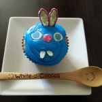 Decorating Cupcakes With Your Kids Mess Free!