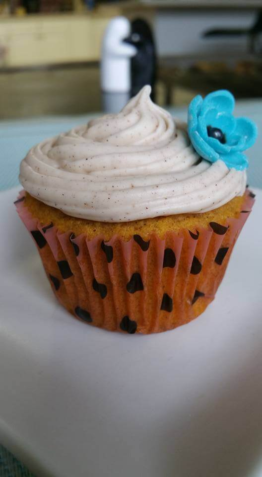 Pumpkin Cupcakes with Cinnamon Spice Icing