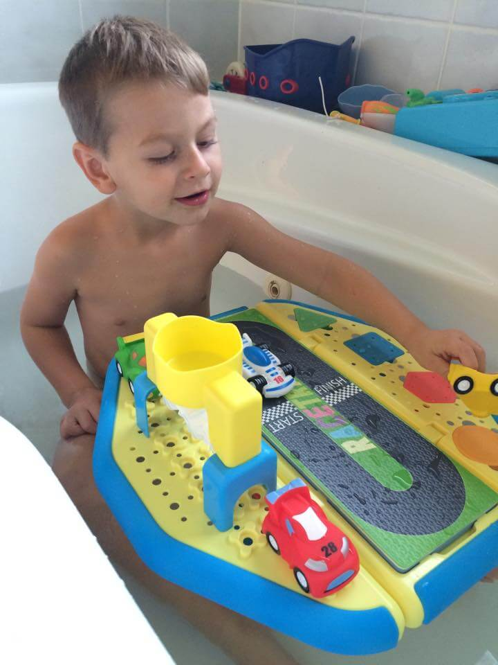TOTS Family, Parenting, Kids, Food, Crafts, DIY and Travel 12188457_10153660863020309_1436411478_n Making Bath Time Fun for Your Toddler Kids Parenting TOTS Family Uncategorized  challenging behaviour behaviour behavior bath activities
