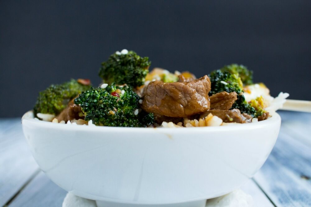 Wow! This delicious beef with broccoli bowls recipe takes only 30 minutes to make! Great weeknight meal for busy moms!