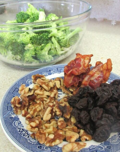 TOTS Family, Parenting, Kids, Food, Crafts, DIY and Travel cran2 Cranberry Broccoli and Walnut Salad Breads/Soups/Salads Food Holiday Treats TOTS Family  vegetable salad recipe food Cranberry Broccoli and Walnut Salad