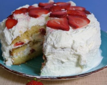 TOTS Family, Parenting, Kids, Food, Crafts, DIY and Travel Strawberry-Dream-Cake-Recipes-370x297 Strawberry Dream Cake Recipe Desserts Food TOTS Family  whipped cream cake summer dessert summer berries strawberry dessert sponge cake recipe Italian sponge cake