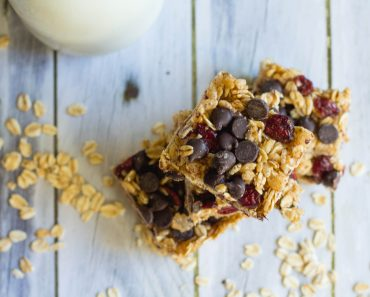 Dark Chocolate Cranberry Granola Bars Recipe