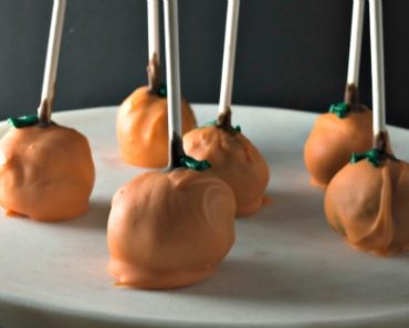 Pumpkin Shaped Cake Pops: Graham Cracker And Peanut Butter Pops