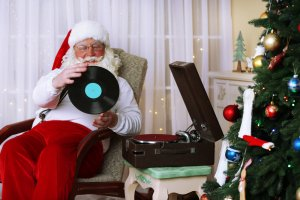 Including Music In Your Holiday Traditions - The holidays are finally here and it's my favorite time of the year. One thing my family loves to do is listen to music.
