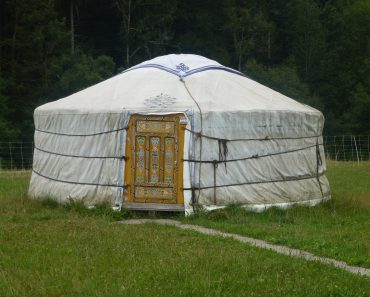 TOTS Family, Parenting, Kids, Food, Crafts, DIY and Travel yurt-971279_1920-370x297 Yurt Adventure Home TOTS Family Travel Uncategorized  Yurt off grid