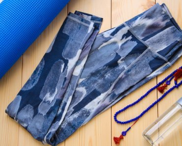 All the wear from the studio to your daily routine can quickly diminish the quality of your clothing. Here are some tips and ways to help your yoga clothes last longer
