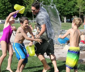 TOTS Family, Parenting, Kids, Food, Crafts, DIY and Travel water-fight-442257_1920-300x253 Back to School Creative Ways to Motivate your Kids Parenting TOTS Family  stay motivated motivation back to school