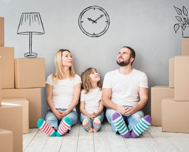 TOTS Family, Parenting, Kids, Food, Crafts, DIY and Travel bigstock-Family-New-Home-Moving-Day-Hou-175019413-370x297 6 Signs You Need a Bigger Family Home Home TOTS Family Uncategorized  moving party moving Home Buyer