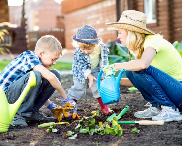 This is how I do it - 7 Gardening Tips for Busy Mothers. How do I find time to garden with 8 children? The answer is, I don't. Well, not that much.