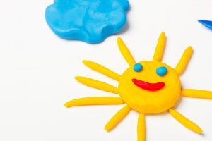 When it comes to summertime, many people think that kids only want to play outside but when they discover these 7 Summer Crafts for Kids you'll need to drag them outside kicking.