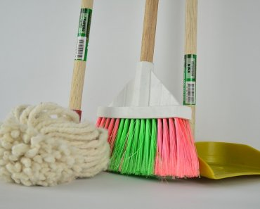 8 Cleaning Hacks That Don't Actually Work 1