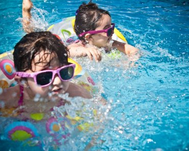 Safety Precautions for Your Child When Around the Swimming Pool